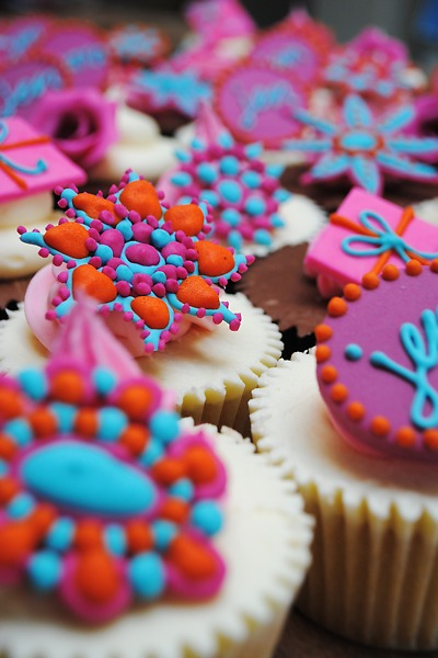These bejewelled cupcakes are a spectacular centrepiece.
